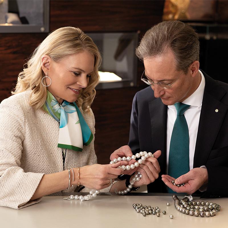 Perlen und Edelsteine bei Juwelier Mayrhofer in Linz